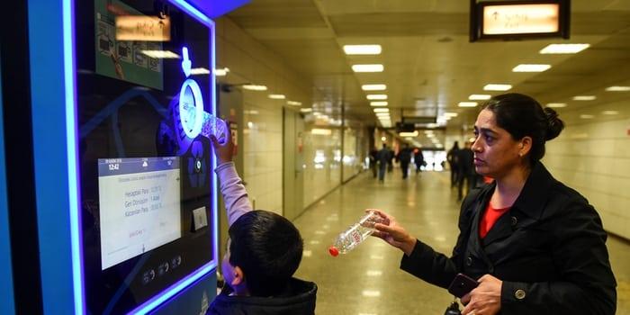 Recyclage à Paris - Bouteilles canettes contre un ticket