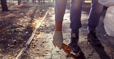 Rester en forme tout en nettoyant les rues de Paris : le plogging