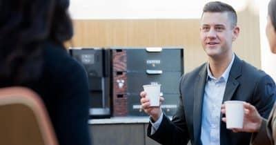 Votre café du matin au bureau… à grain ou en capsules ?