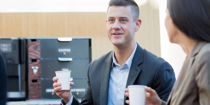 Recyclage en entreprise - déchet du café gobelet carton ou plastique