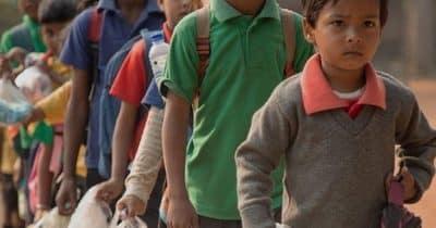Payer l'école en recyclant du plastique ? En Inde c'est possible !
