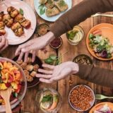 Votre assiette et la planète : notre guide pour manger mieux !