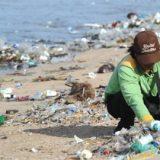A Nairobi les entreprises luttent contre la montagne de déchets